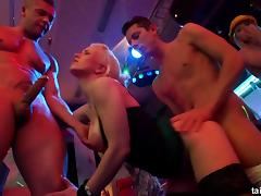 Dazzling babes getting the rough pussy penetration in the nightclub porn tube video