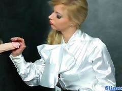 Glam babe bukkaked while rubbing pussy