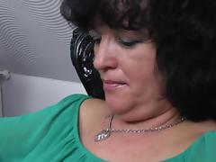 Fat cougar with a shaved pussy in her amazing solo masturbation porn tube video