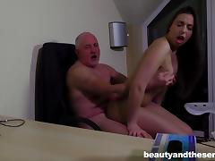 Chubby guy gives sexy Carla the drilling that she dreamed about