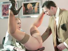 Blonde secretary doing her job well tube porn video
