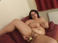 Busty BBW Warms up her wet pussy then gets some cock tube porn video