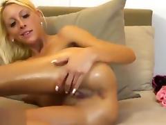 Naked blonde HollySkinny