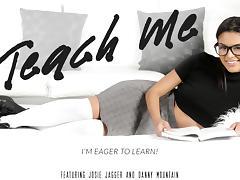 Josie Jagger & Danny Mountain in Teach Me Video