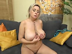 (2) 40s Mature and juicy big tits tube porn video