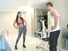 Gym chick in amazing spandex pants fucked hard