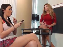 Lick my pantyhose feet porn tube video