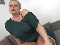 Slim guy fucks the curvaceous blonde chick in stockings porn tube video