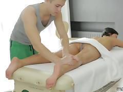 Berta's massage is once again spiced up with the pussy humping