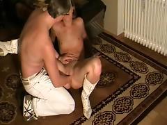 Fist and scream porn tube video