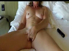 Blindfold Mature Masturbates tube porn video