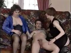 Una vecchia scopa un giovane uomo tube porn video