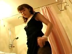 Asian guy sucked hard and screwing a slut in a hotel room porn tube video