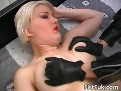 Busty blond whore gets her pussy licked