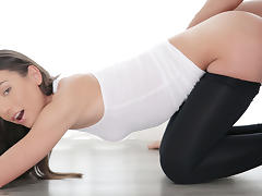 Nataly Gold in Hard Anal Bend - 18Yoga