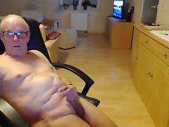 Ich liebe es nackt zu sein und zu wischsen bis der saft kommt porn tube video