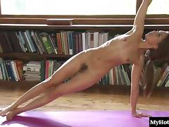 Riley Reid has a lot of yoga to practice porn tube video