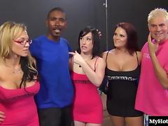 A beautiful bisexual trio tube porn video