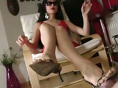 Mistress leyla femdom feet