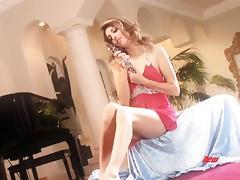 Elegant high-heeled babe with a slim hot body enjoying a hardcore missionary style fuck