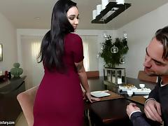 Beautiful black-haired chick gets the drilling just how she wanted