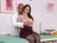 Nekane visits the doctor and he fucks her pretty shaved pussy porn tube video