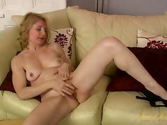 Isabella Diana in Masturbation Movie - AuntJudys porn tube video