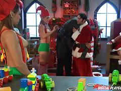 Slutty Mrs Claus and a horny Santa with tattoos fucking porn tube video