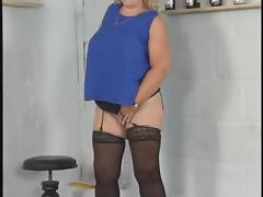 Granny BBW plays with phat pussy porn tube video