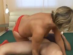 Blonde mature woken upo and fucked porn tube video