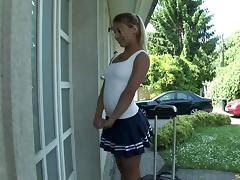Masculine stud gets a golden chance and throbs this kinky babe's kitty