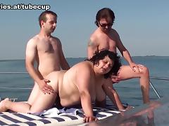 Gusti Tschopp & Tiny Rados in Fatty Boom Boom - FunMovies