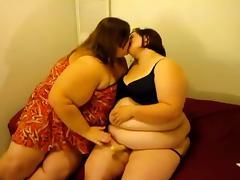 Lesbian BBW Strapon