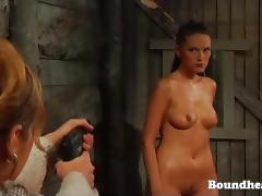 Slave Huntress in action