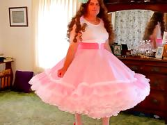 Beautiful crossdresser in petticoat tube porn video