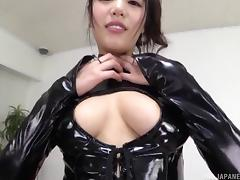 Hot Japanese chick in leather costume receives the pussy licking porn tube video