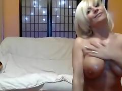 cheekypussyxxx amateur record on 06/11/15 11:01 from Chaturbate