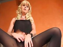 Dark pantyhose 12 feb 2016