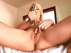 Sensuous blonde is quite ready to show us her vaginal depths