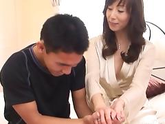 Juicy Japanese lady sucks the cock with the utter professionalism