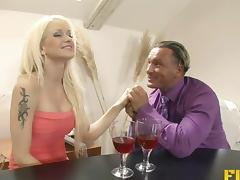 Experienced guy provides the kinky blonde with a pussy spooning porn tube video