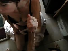 White Slut Deepthroats BBC And Makes It Explode Quickly porn tube video