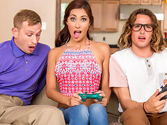 Jade Jantzen & Bill Bailey & Tyler Nixon in She Loves Playing With Joysticks - Brazzers tube porn video