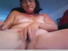 Mature Lady Masturbates