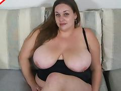 BBW shows off her cocksucking skills to his throbbing dick porn tube video