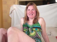 Dutch housewife pushes the dildo deep into her shaved snatch tube porn video