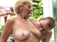Deep pussy stuffing for an experienced mentor by the pool porn tube video