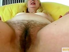 Omas Kokosmatte ist der Kracher! porn tube video