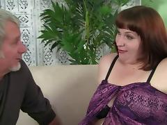 Chubby experienced lady wants to ride the boner once again