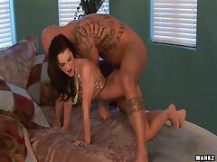 Seductive milf Brandi Edwards wants a cock in her ass